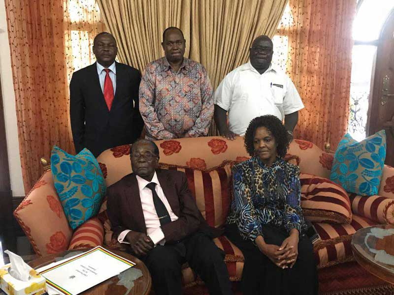 Gono played key role in Mugabe resignation, Comments on leaked picture with Grace & Bob