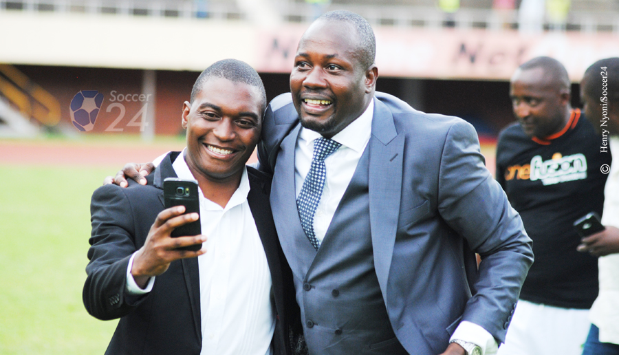 Farai Jere poses with a Caps United fan