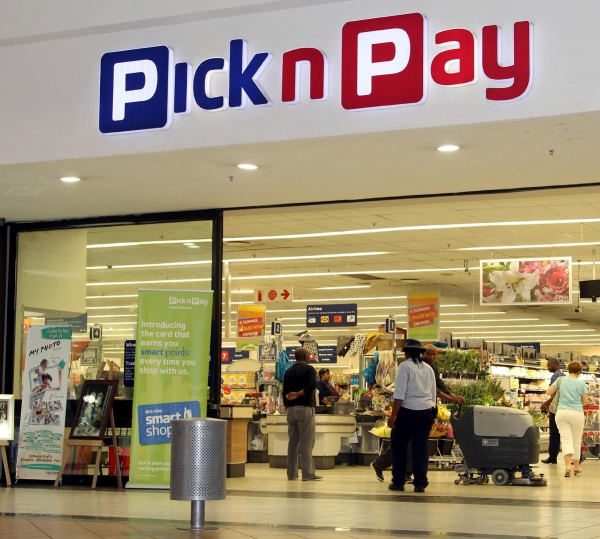 Zimbabwean woman with albinism narrates how she was denied entry into TM Pick n Pay
