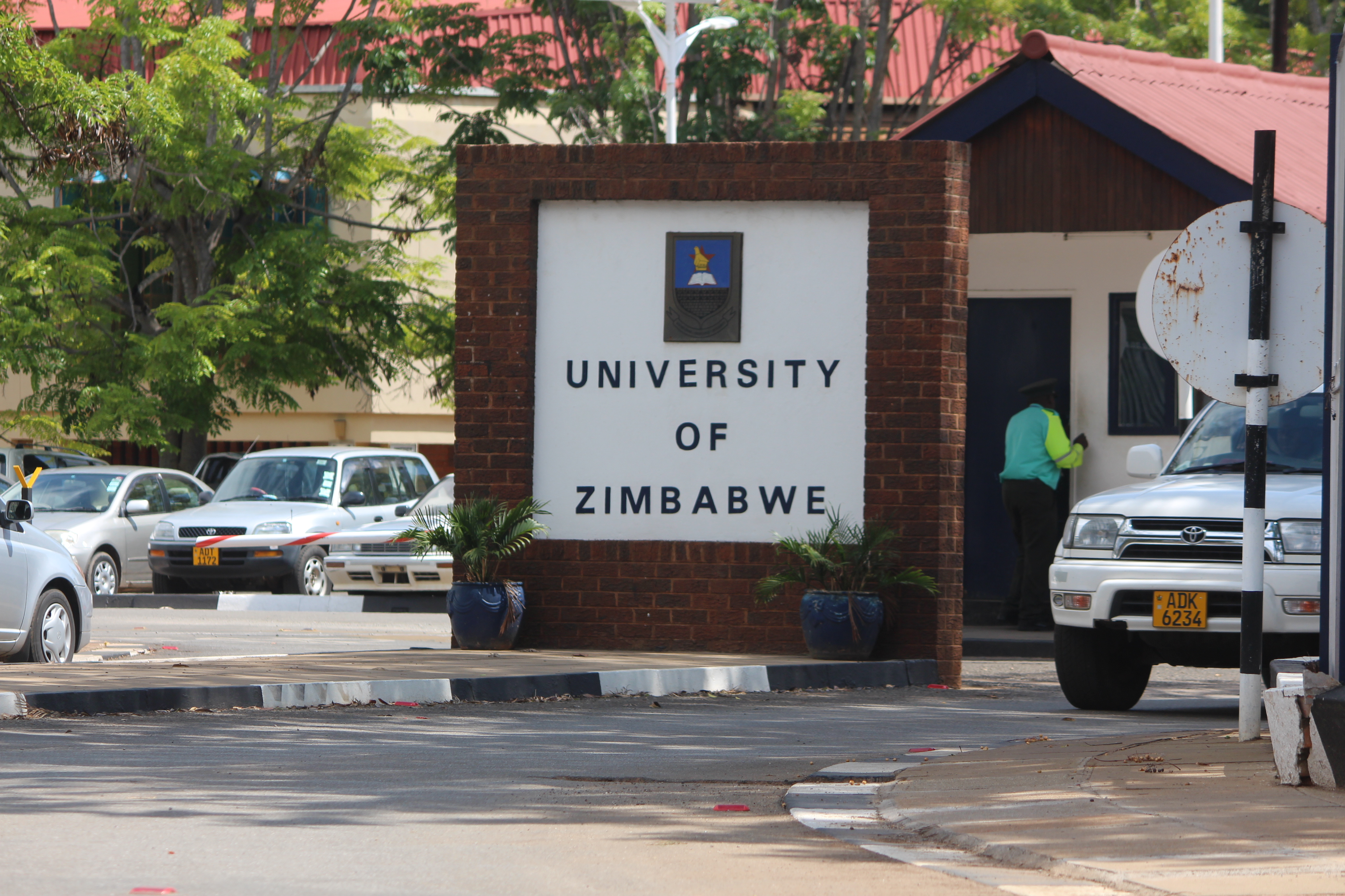 University of Zimbabwe (UZ)
