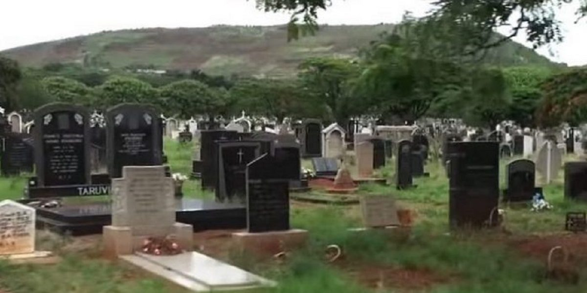Cemetery bury Amnesty International says Zimbabwe killed 10 people during lockdown