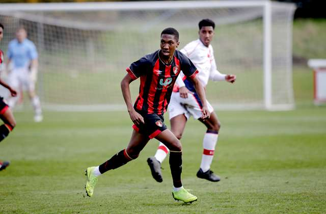 Bournemouth Hands Contract Extension To Zimbabwean Defender - pindula.co.zw