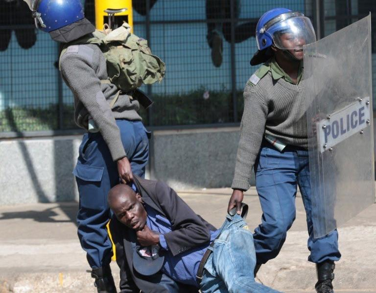 Zimbabwe Republic Police (ZRP) Lockdown, Arrest Man