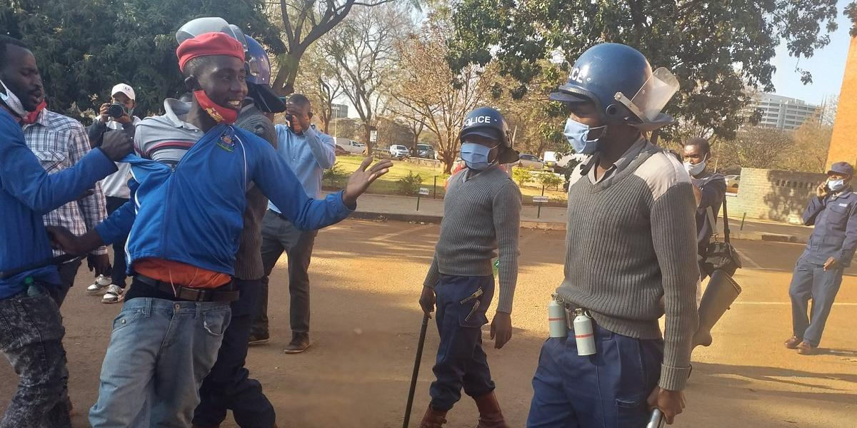 To demonstrate that indeed there was a clash between police and demonstrators.
