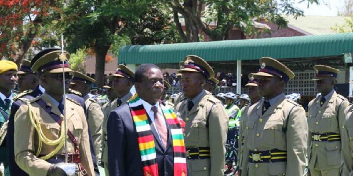POLICE GRADUATION MNANGAGWA INSPECTS