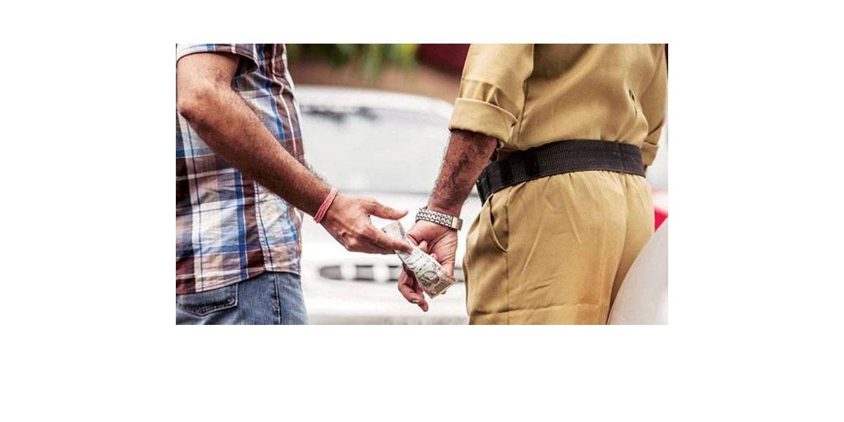 POLICE TAKING BRIBE
