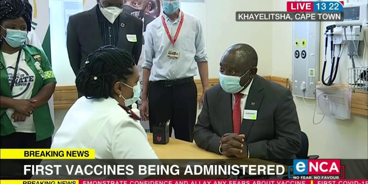 Cyril Ramaphosa and Zweli Mkhize receiving COVID-19 Vaccine