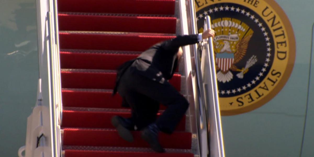 Joe Biden Tripped Fell boarding plane