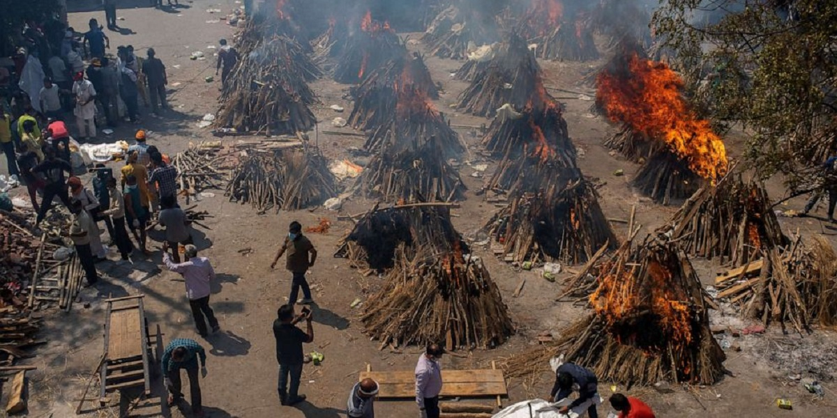 INDIA 3 MILLION COVID-19 CASES DAILY CREMATION OF BODIES world's highest single-day death