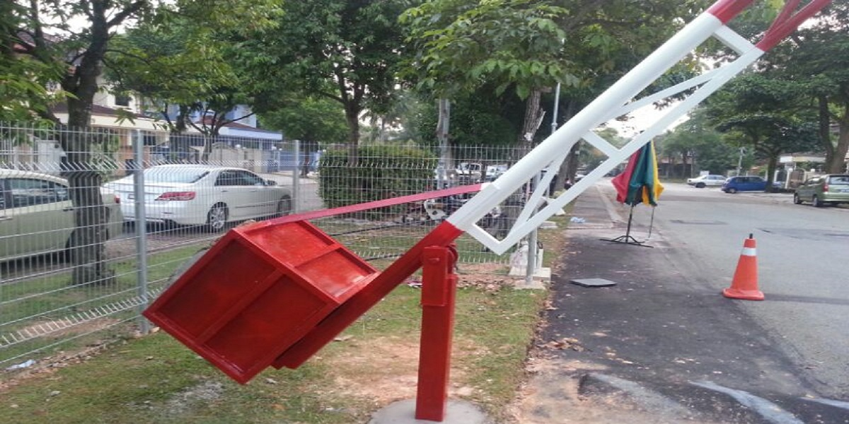 Boom gates Harare City Council ordered residents remove